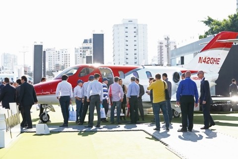 HondaJet_Debut_at_LABACE_-_BizWire